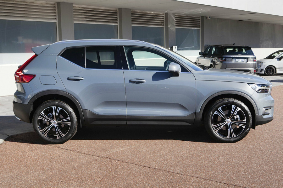 2019 MY20 Volvo XC40 T4 Inscription Suv Mobile Image 3
