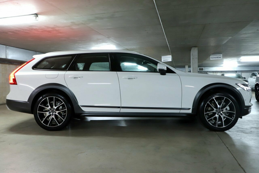 2019 MY20 Volvo V90 236 MY20 D5 Cross Country Inscription Wagon Mobile Image 16