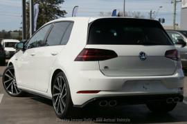2020 Volkswagen Golf 7.5 R Hatchback Image 3