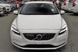 2017 MY18 Volvo V40 M Series T4 Inscription Sedan