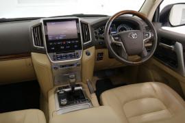 2016 Toyota Landcruiser VDJ200R Sahara Suv Image 5