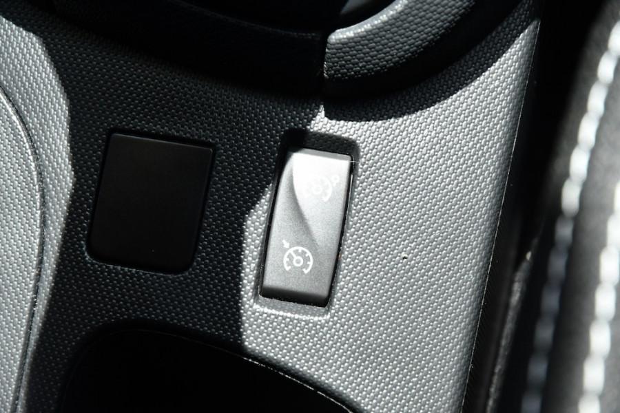 2015 Renault Clio IV B98 Expression Hatchback Image 20