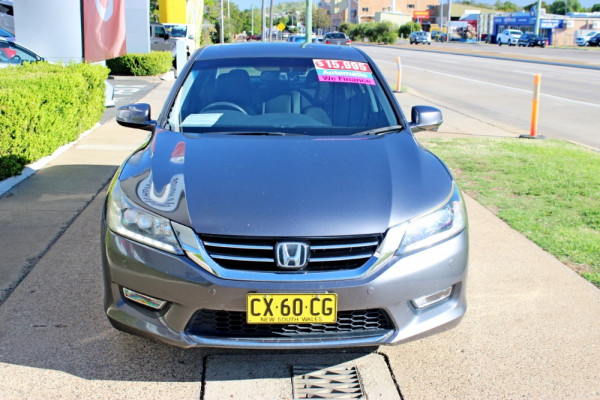 2013 Honda Accord 9th Gen  VTi-L Sedan Image 3