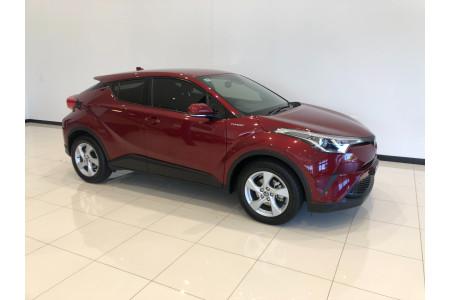 2017 Toyota C-hr NGX50R Turbo Awd Image 2
