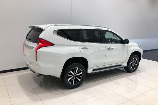 2019 Mitsubishi Pajero Sport QE GLS Awd 5 st wagon Image 4