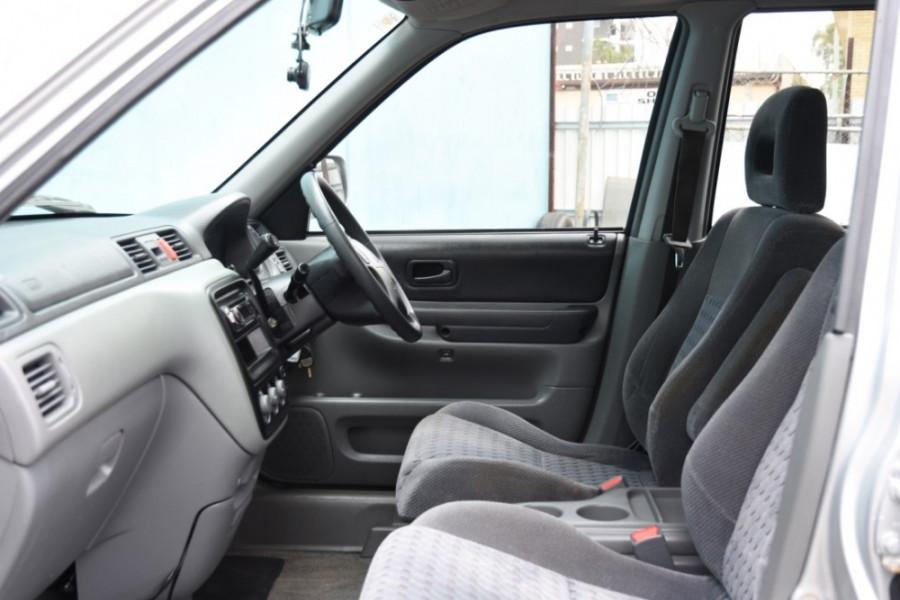1999 Honda CR-V Suv Image 6