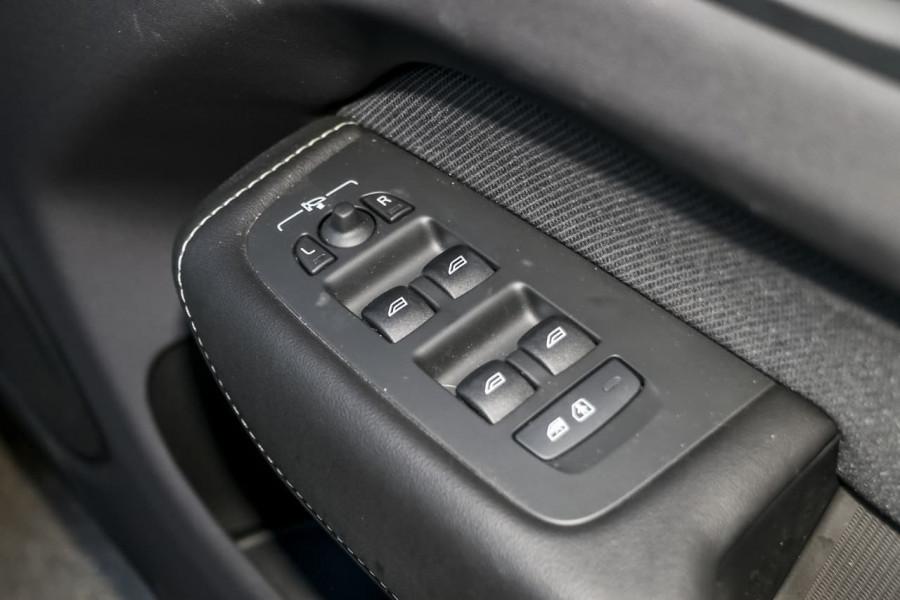 2021 Volvo XC60 UZ T6 R-Design Suv Image 18