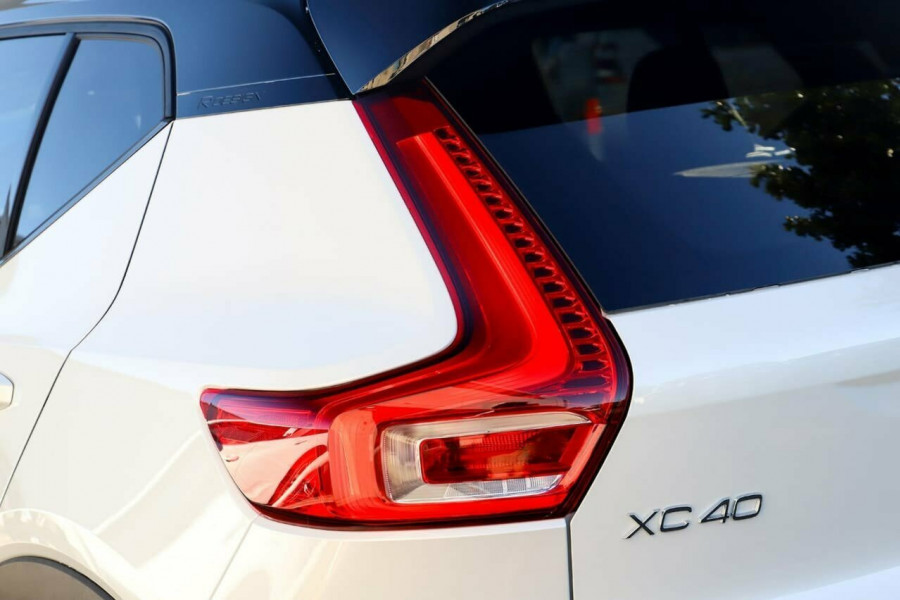 2020 Volvo XC40 T5 R-Design Suv Mobile Image 20