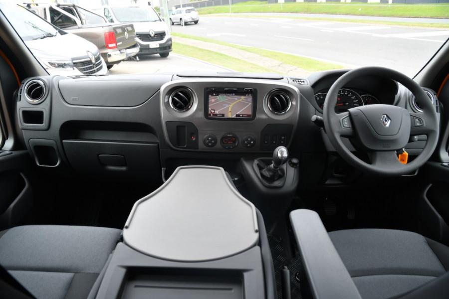 2019 Renault Master Cab Chassis X62 Dual Cab Dual cab Image 8