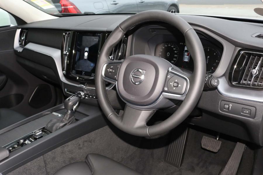 2021 Volvo XC60 UZ D4 Momentum Suv Image 13