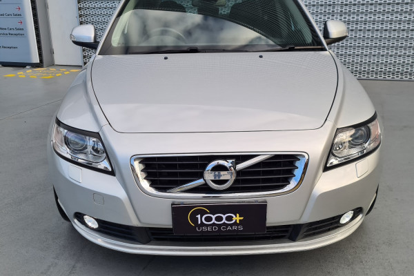 2012 Volvo S40 Vehicle Description. M  MY12 T5 Lifestyle SED GEAR 5sp 2.5T T5 Sedan Image 2