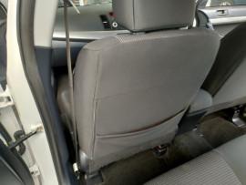 2009 Mitsubishi Lancer CJ  ES Sedan image 27