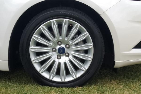 2015 Ford Mondeo MD TREND Hatchback Mobile Image 5