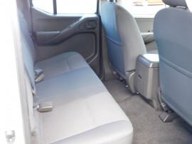 2014 Nissan Navara D40 S8 Turbo RX Cab chassis dua