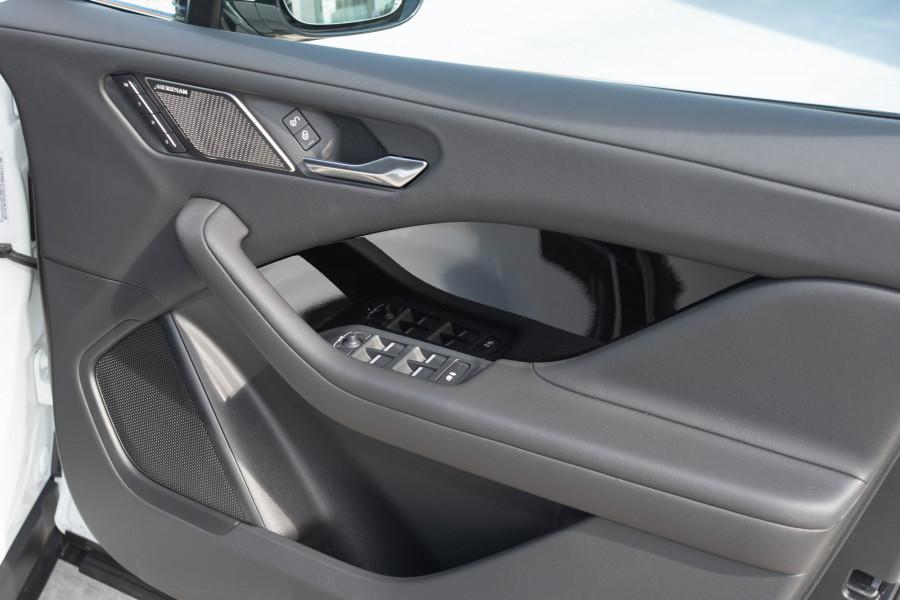 2019 MY20 Jaguar I-PACE X590 SE Hatchback Mobile Image 14