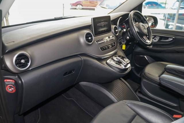 2017 Mercedes-Benz V-class 447 V250 d Avantgarde Wagon Image 16