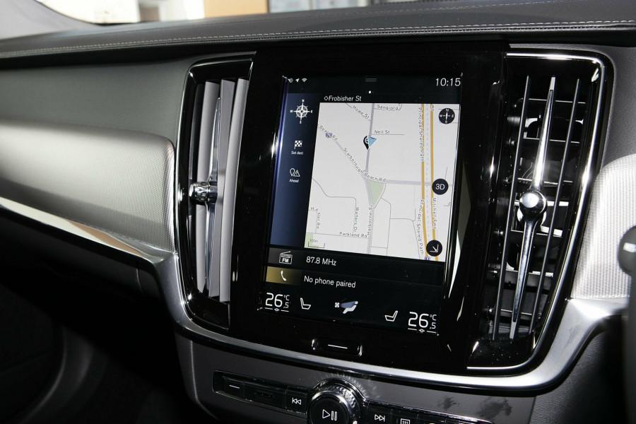2019 Volvo V90 Cross Country D5 Wagon Mobile Image 14