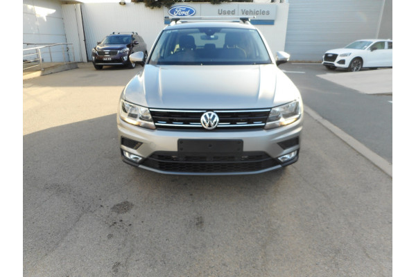 2017 Volkswagen Tiguan 5N  132TSI Comfrtline Suv Image 3