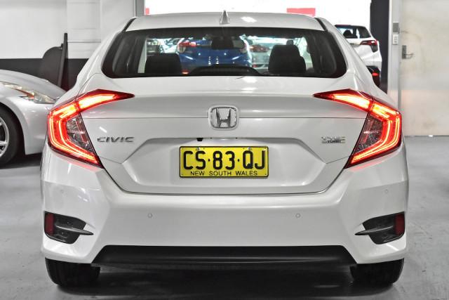 2018 Honda Civic 10th Gen  VTi-L Sedan Image 4