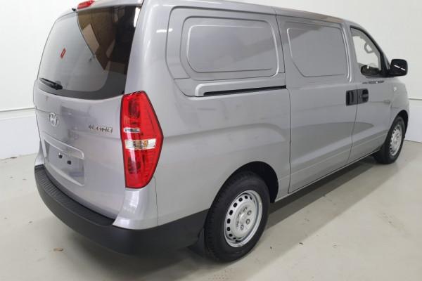 2019 Hyundai iLoad TQ4 Van Van Image 2