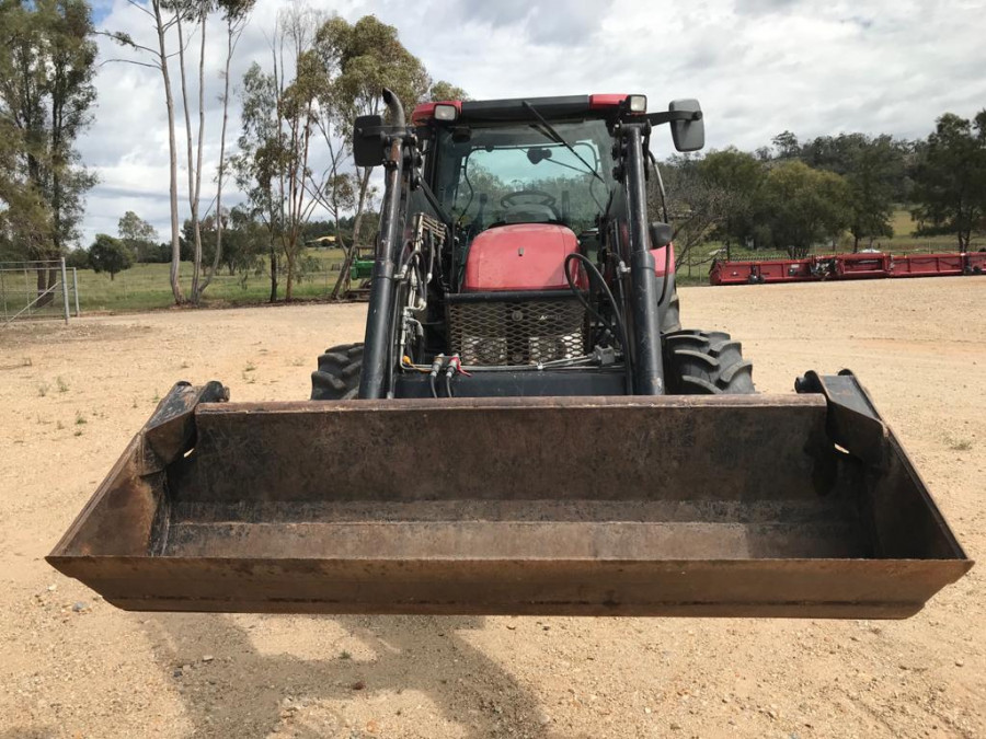 2011 Case IH MAX110 Tractor crawler Image 11