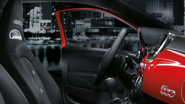 595C Sporty cockpit