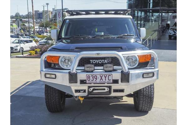 2013 Toyota FJ Cruiser GSJ15R Wagon Image 3