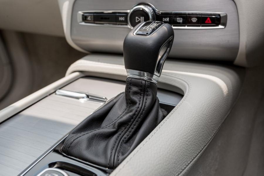 2019 MY20 Volvo XC90 L Series T6 Momentum Suv Image 17