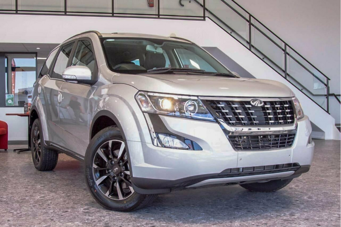 2021 MY19 Mahindra XUV500 MY19 W10 Suv