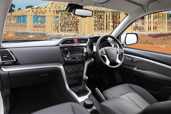 Steed Dual Cab Diesel Interior Features