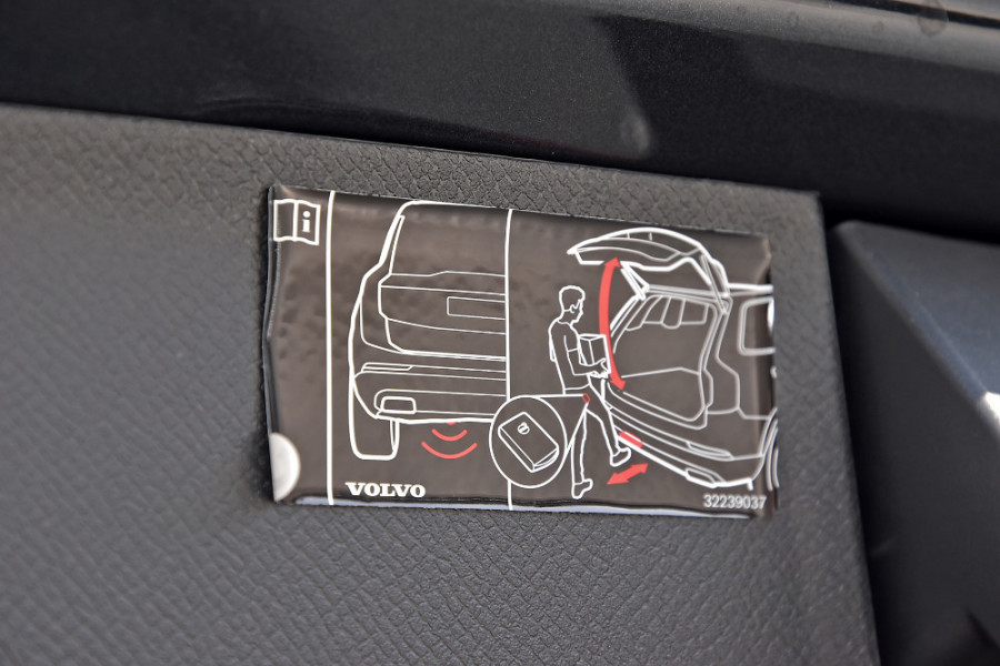2018 MY19 Volvo XC90 L Series D5 R-Design Suv Mobile Image 20
