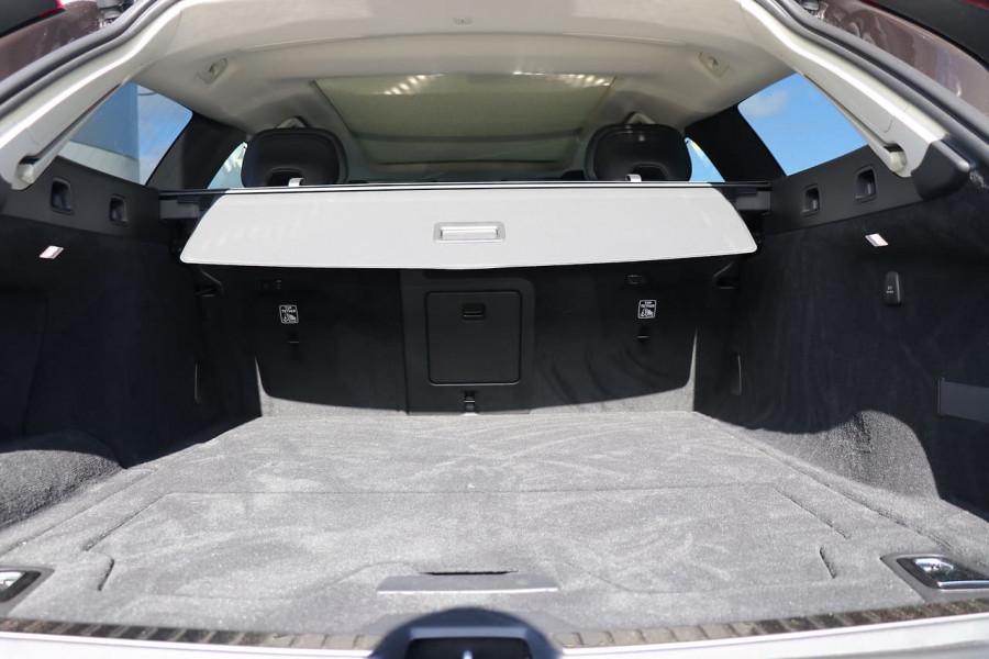 2019 Volvo V90 Cross Country D5 Wagon Mobile Image 21