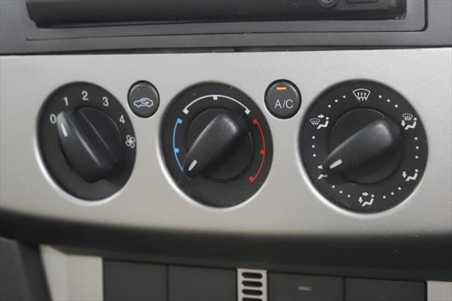2007 Ford Focus LT CL Sedan Image 16