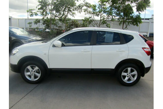 2010 MY09 Nissan Dualis J10 MY2009 ST Hatch X-tronic Hatchback Image 4