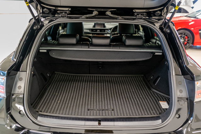 2016 Lexus Ct Hatchback Image 23