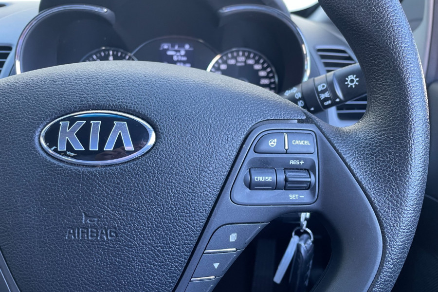 2016 Kia Cerato YD S Hatchback Image 12