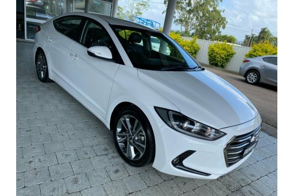 2018 Hyundai Elantra Elite Sedan Image 4