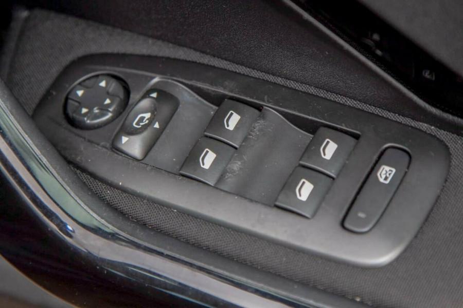 2015 MY16 Peugeot 208 MY16 Active Hatchback Image 16