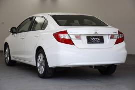 2012 Honda Civic 9th Gen VTi-L Sedan Image 3