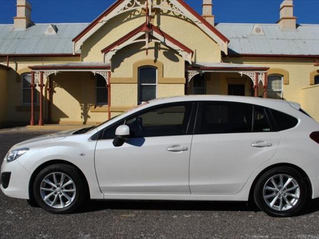 2014 Subaru Impreza G4  2.0i Hatchback