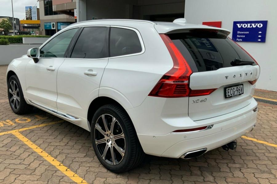2018 MY19 Volvo XC60 246 MY19 T5 Inscription (AWD) Suv Mobile Image 6