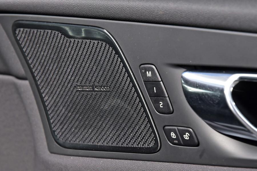 2019 MY20 Volvo XC60 UZ T5 Momentum Suv Mobile Image 24