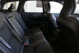 2018 MY19 Volvo XC60 UZ T6 AWD R-Design Wagon