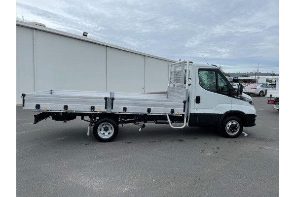 2021 Iveco Daily 50C18 Tray dropside Image 2