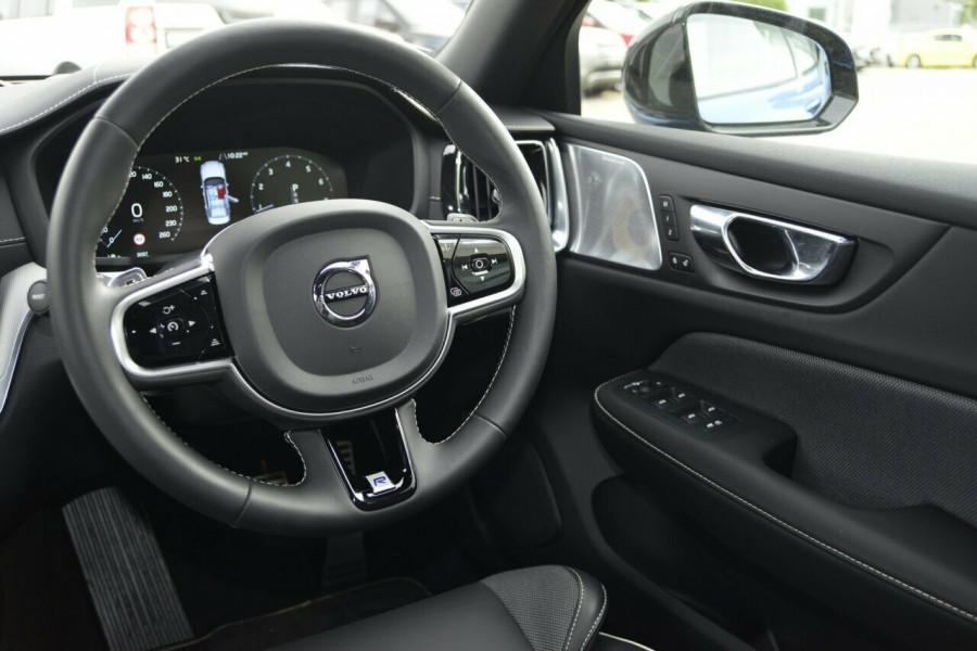 2019 Volvo S60 T5 R-DESIGN Sedan Image 7