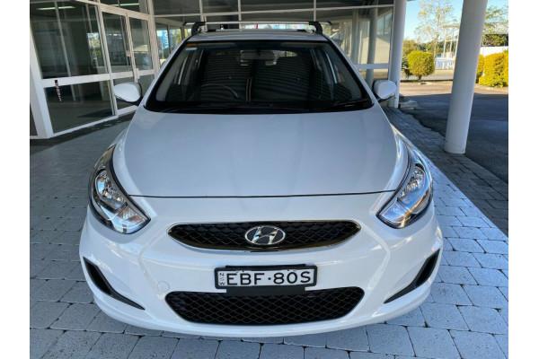 2019 Hyundai Accent Sport Hatchback Image 3