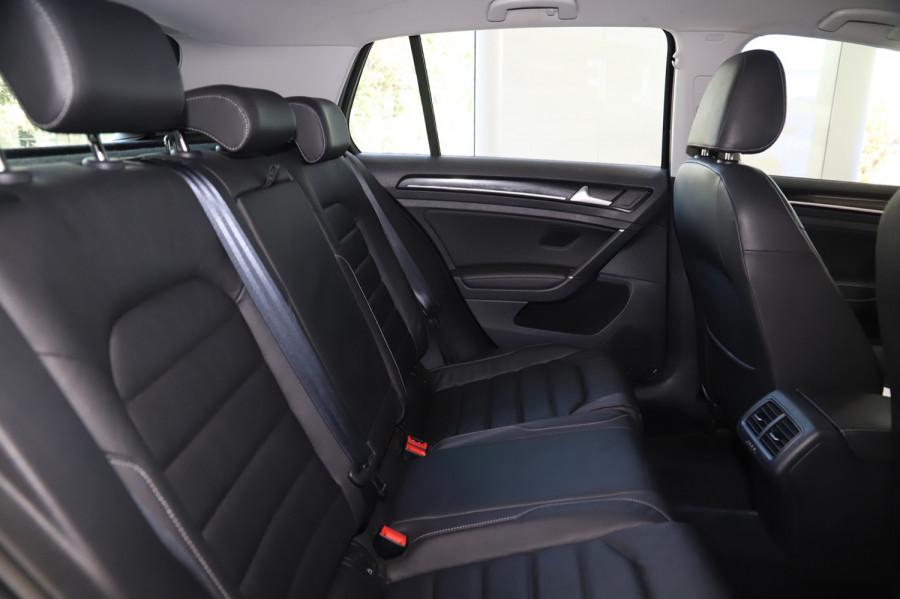 2016 MY17 Volkswagen Golf VII  110TSI Highline Hatch Image 9