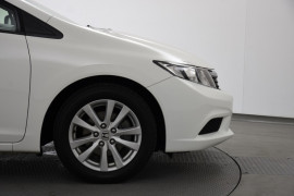 2012 Honda Civic 9th Gen VTi-L Sedan Image 5