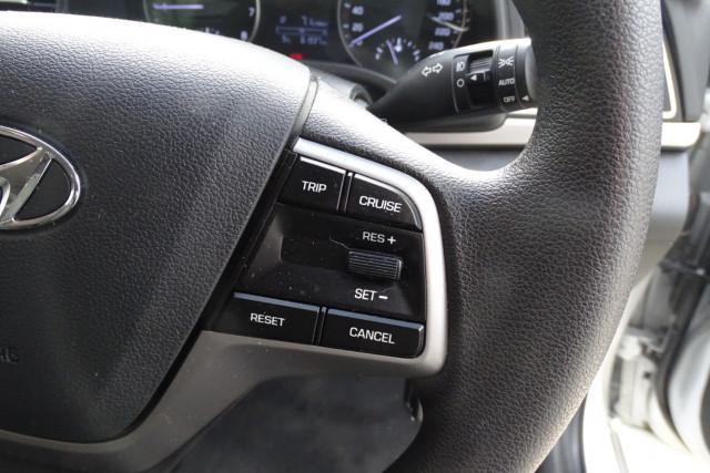 2016 Hyundai Elantra Active 19 of 27