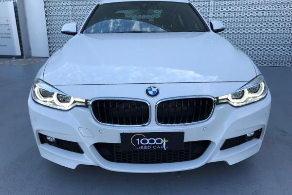 2016 BMW 3 Series F30 LCI 330i Sedan Image 2